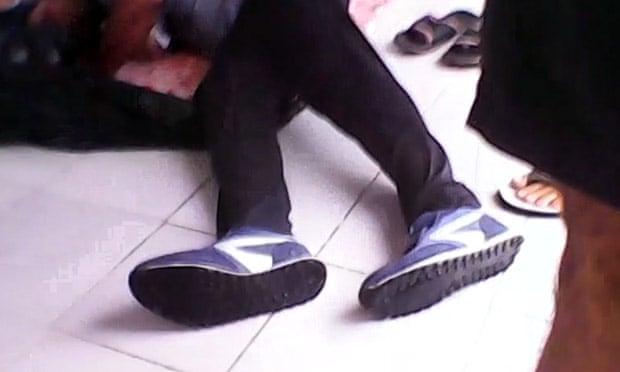 Manus razor blades