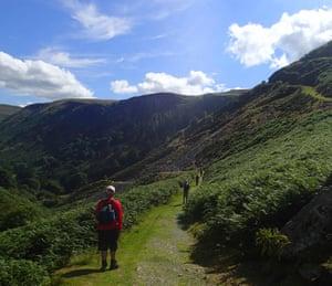 Mindful walking, at 10-metre intervals