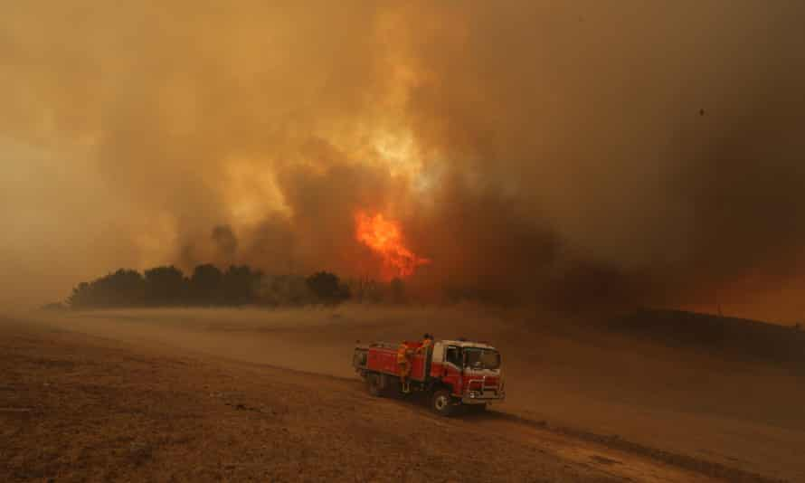 Professor Will Steffen of the Climate Council said incidences of heatwaves, bushfires and other extreme weather in Australia are increasing due to climate change.