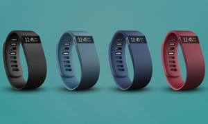 how to change time format on fitbit charge 2
