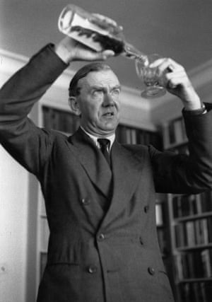 """""""The Human Factor"""" by Graham Greene (1978) – …"""