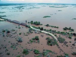 The road from Bangula to Makhanga
