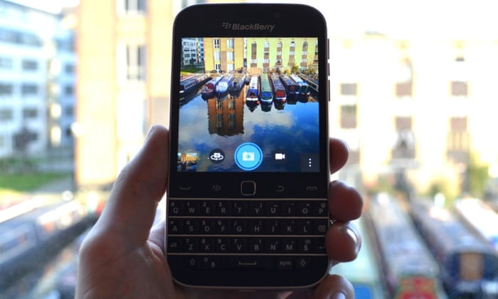 BlackBerry Classic review: the phone diehards have been