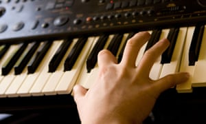 Piano stores closing across US as kids snub lessons for other