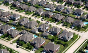 Suburban housing near Houston Texas. Photo: David R. Frazier Photolibrary/Alamy