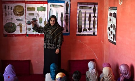 unexploded ordnance awareness class in Kabul