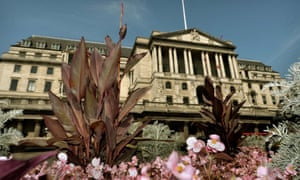 Bank of England policy makers voted unanimously to keep interest rates on hold at 0.5%