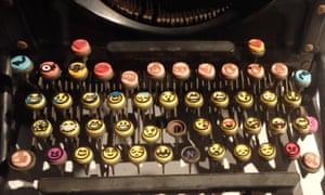typewriter keyboard emoji
