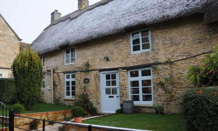 A fine romance: spend Valentine's Day in Yarrow Cottage.