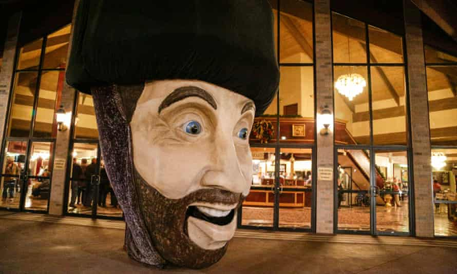 The bust of Yakov Smirnoff outside his theatre in Branson