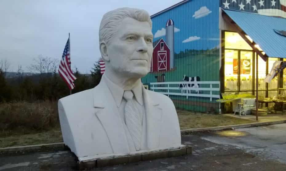 The bust of Ronald Reagan in Branson