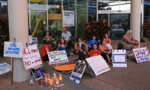 Darwin vigil in support of asylum seekers