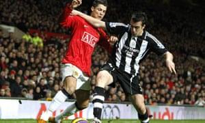 Manchester United's Cristiano Ronaldo and Newcastle United's Sanchez Jose Enrique
