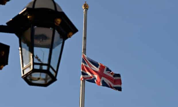 King Abdullah death flag half-mast Buckingham Palace
