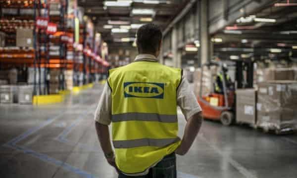 worker IKEA
