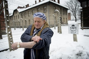 Survivor Igor Malicky, 89, from Krakow, returns to Auschwitz.