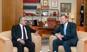 Papua New Guinea's prime minister, Peter O'Neill and Australian prime minister, Tony Abbott