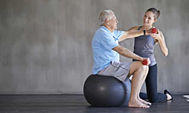 Occupational therapist helps older person