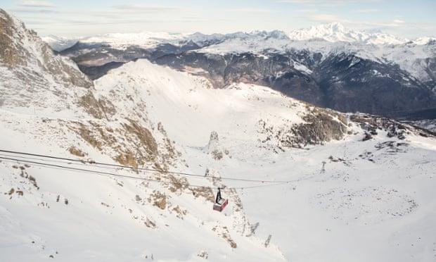 Thưởng ngoạn núi tuyết Apls trên độ cao 9000ft miễn phí cùng Airbnb wu153