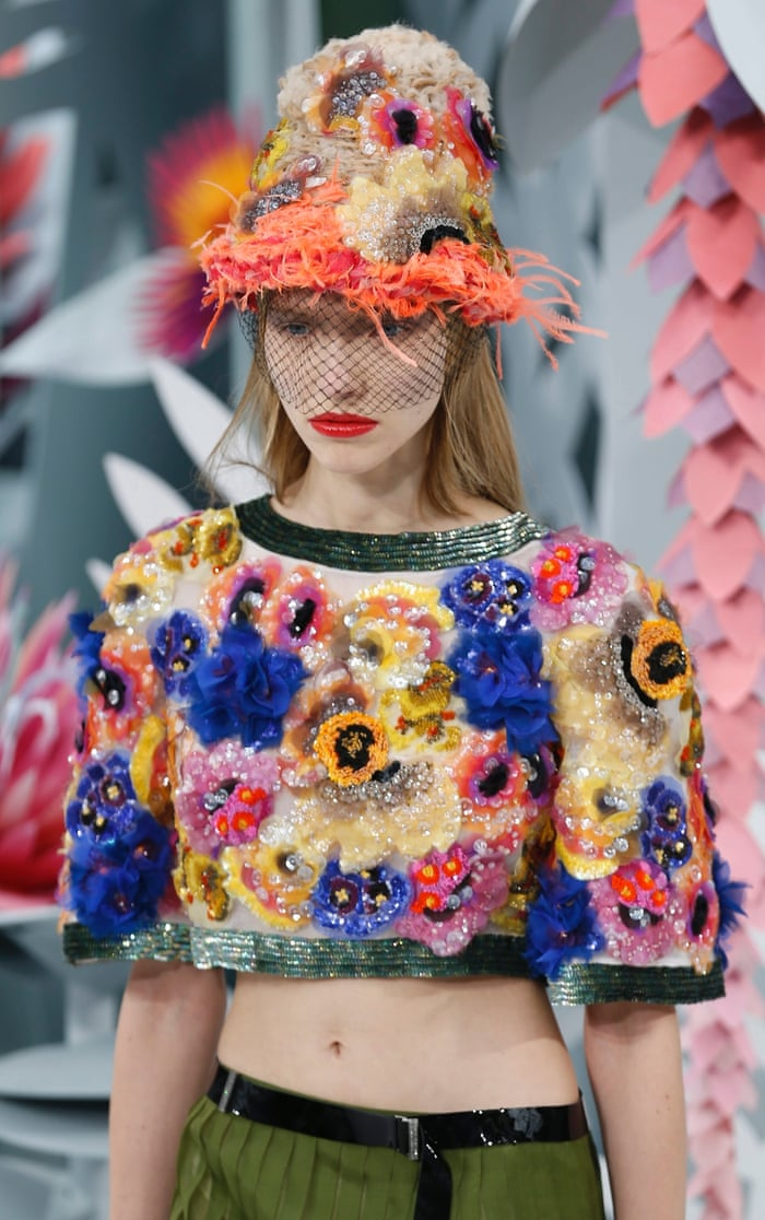 f7fe286b2c1daf Karl Lagerfeld's garden-themed show raises a smile for Chanel | Fashion |  The Guardian