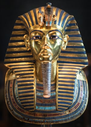 The mask of Tutankhamun was 'fixed with glue' after its beard broke off.