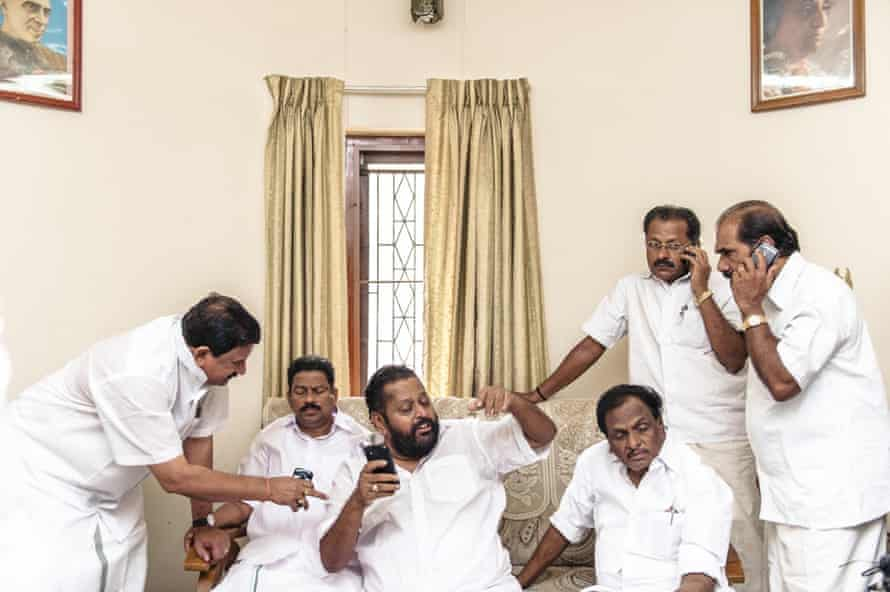 The Nehruvian Dream: feverish campaigning on mobile phones during the 2014 national elections.