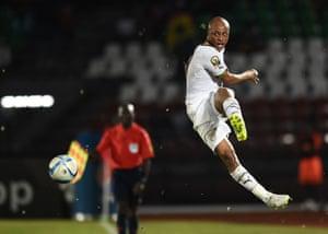 Ghana's midfielder Andre Ayew lets fly.