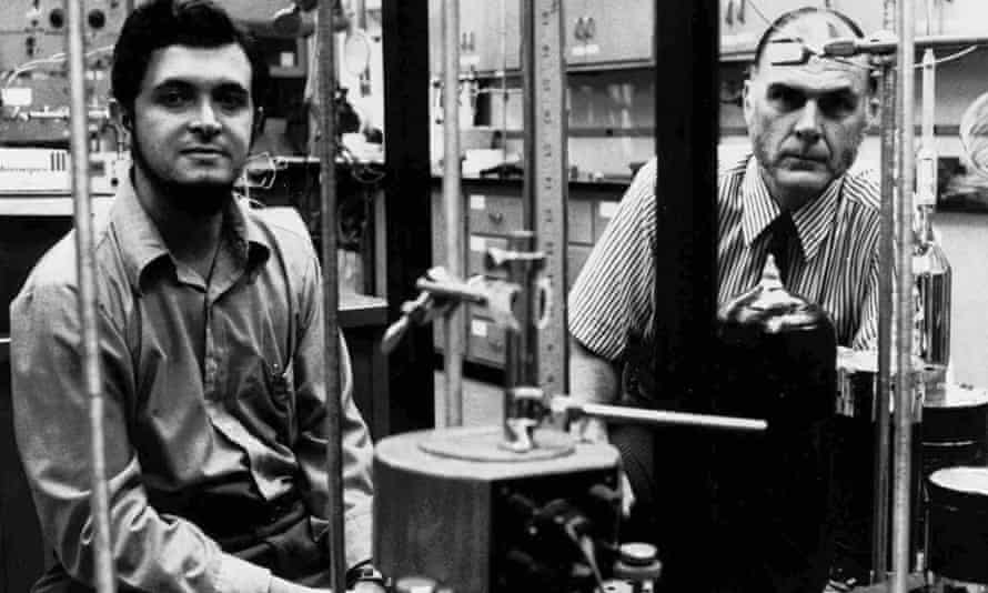 Sherwood Rowland, right, with colleague Mario J. Molina, in their lab in 1976.