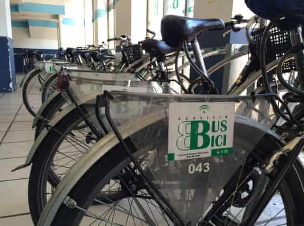Seville bike share - free for people arriving at bus station