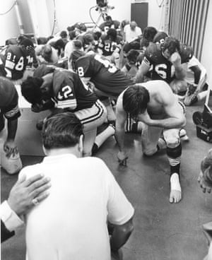 1973 Washington say a prayer in the locker room before Super Bowl VII against Miami Dolphins