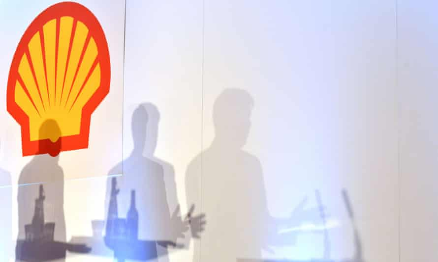 Royal Dutch Shell release its fourth quarter results announcement and its fourth quarter interim dividend announcement for 2014, on 29 January 2015.