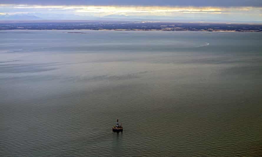 An aerial photo of the Shell oil rig at Kulluk