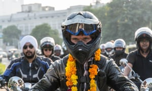 Guy Martin rides through Delhi with the Free Soul Riders.