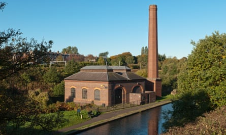 Walking along the canal between Birmingham and Wolverhampton is a tour of Britain's industrial heritage.