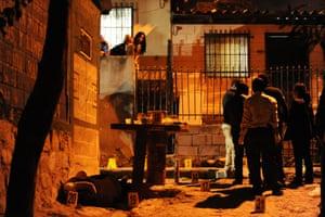 Honduran police and criminal investigators