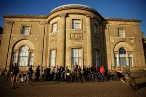 January Tweed Ride group shot.