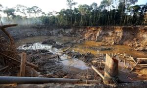 illegal gold mine peru
