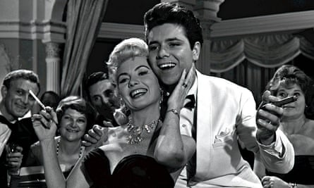 Yolande Donlan with Cliff Richard in Expresso Bongo, 1959.