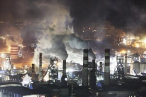 There are countless steel plants on the western side of Qian an city. This is where you will find foundries belonging to Qiangang, Jiujiang, Songting, Yanshan. This is a real steel city, and at night blazing with lights, the pollution grows even more intense.