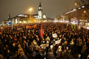 A large crowd of protesters in Hamburg