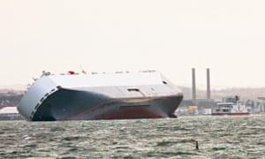 Car carrier beached on Solent sandbank refloats itself | UK