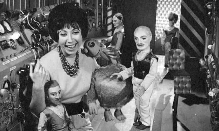 Roberta Leigh with puppets