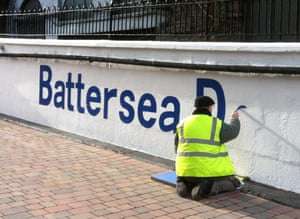 waynetanswell2.Business as usual handpainted signs for Cities