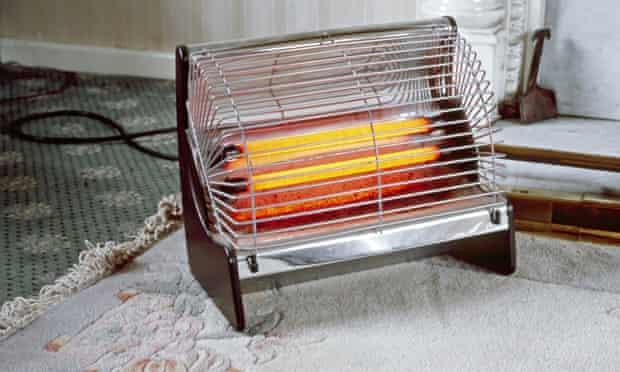 Old-fashioned electric bar radiator