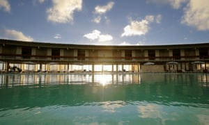 'A circle half-capturing a beach': Sérgio Bernardes's Hotel Tropical Tambaú in João Pessoa, Brazil. The tide washes through the building's grilles, amplifying the sound of the waves.