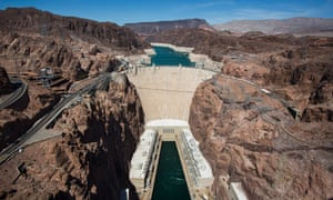 Hoover Dam, and behind it Lake Mead, which is at its lowest level since it was filled in 1937, is pictured near Boulder City, Nevada, USA, 24 July 2014. Built in the 1930s, Hoover Dam turned the newly-created Lake Mead into the largest reservoir in the United States. Yet a severe drought in the American Southwest has left the lake at just 39 percent capacity, with water levels at 1082 feet (330 meters), down from a high of 1225 feet (373 meters) in 1983.