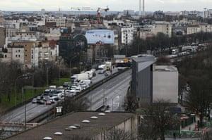 Road closures cause traffic queues in Paris