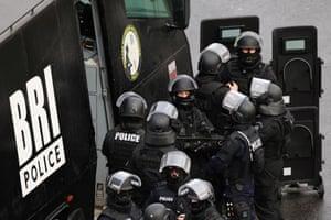 Police mobilize at Porte de Vincennes