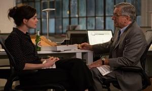 Anne Hathaway and Robert De Niro in The Intern