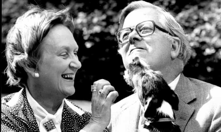 Elspeth and Geoffrey Howe with the Jack Russell terrier that they called Summit